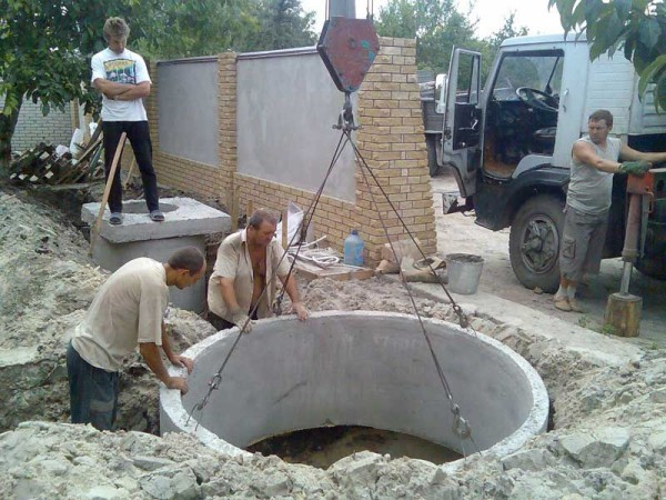 vse-betonnye-izdeliya-imeyut-dovolno-bolshoy-ves-a-znachit-dlya-ih-transportirovki-i-posleduyuschego-600x450
